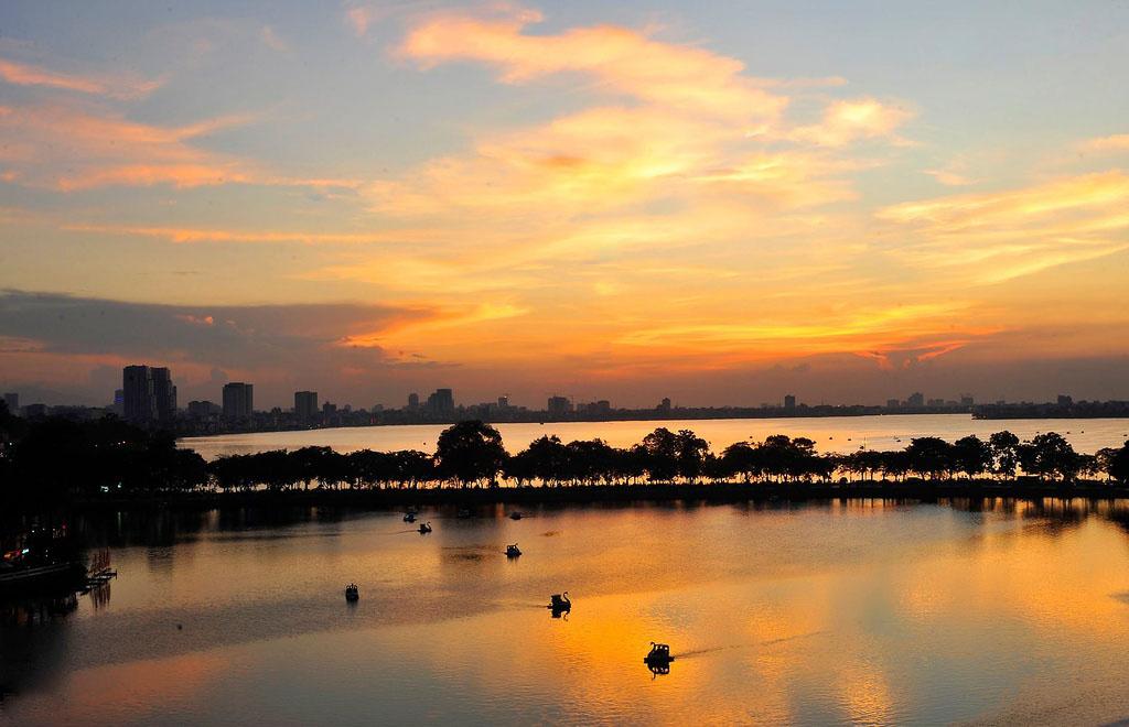 Hình ảnh Hồ Tây về chiều