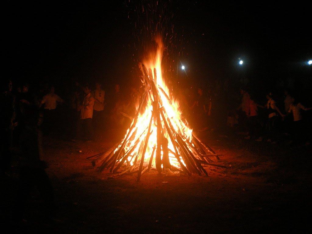 Hình ảnh ngọn lửa trại