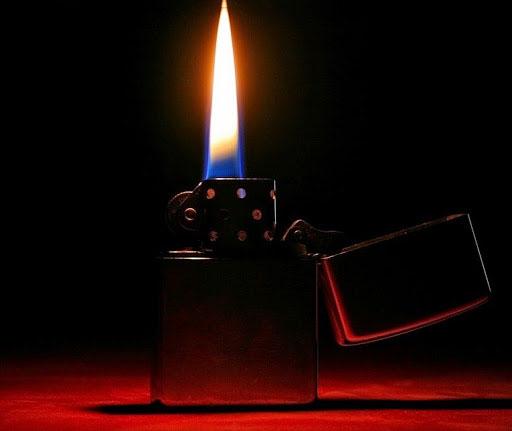 Hình ảnh ngọn lửa từ bật lửa