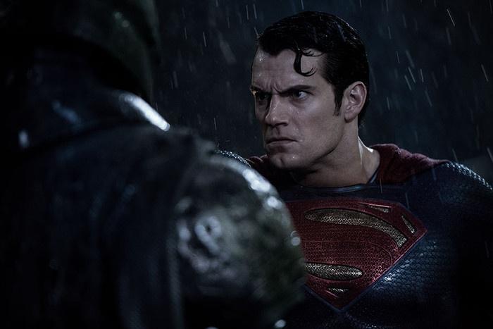 Hình ảnh Superman giận dữ