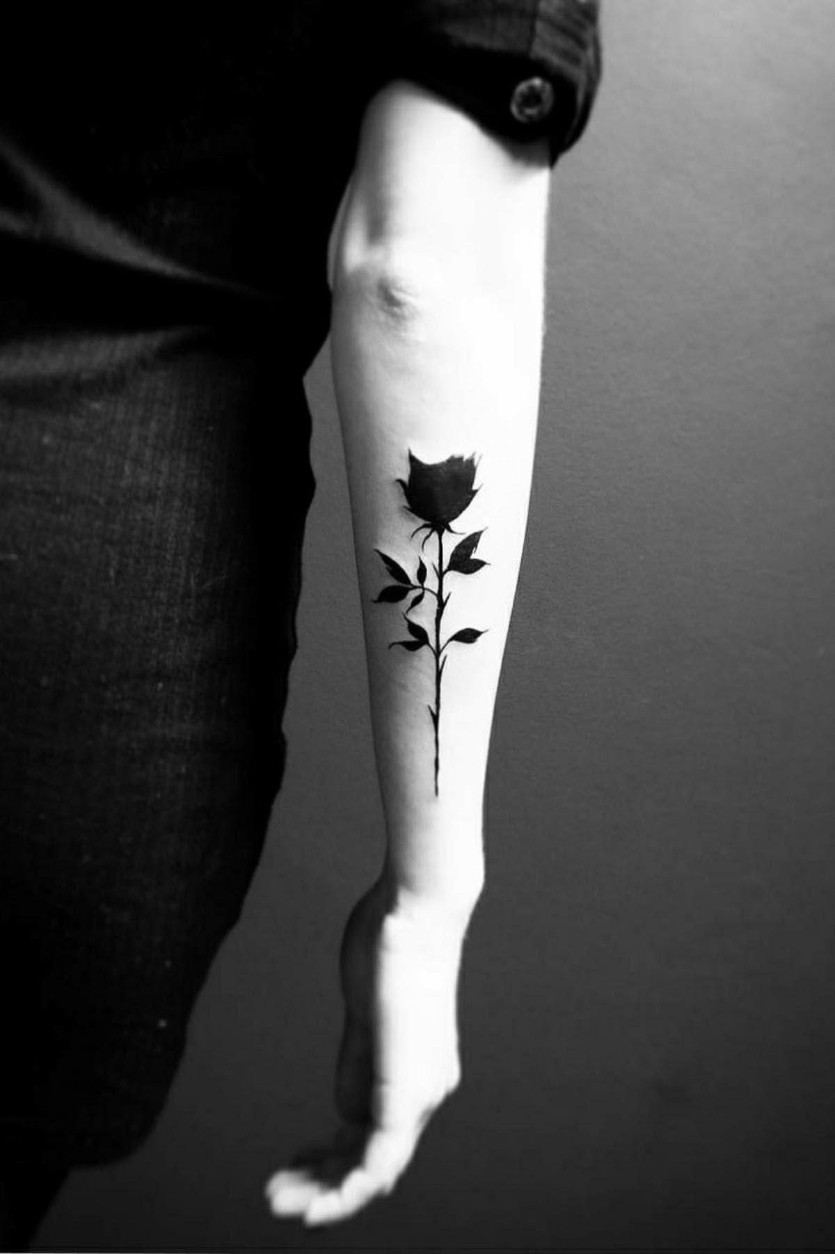 Hình xăm hoa hồng đen cực đẹp