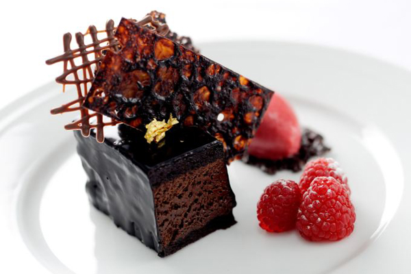 Hình ảnh bánh socola dâu