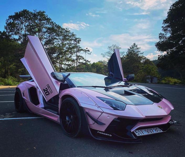Hình ảnh siêu xe Lamborghini tím