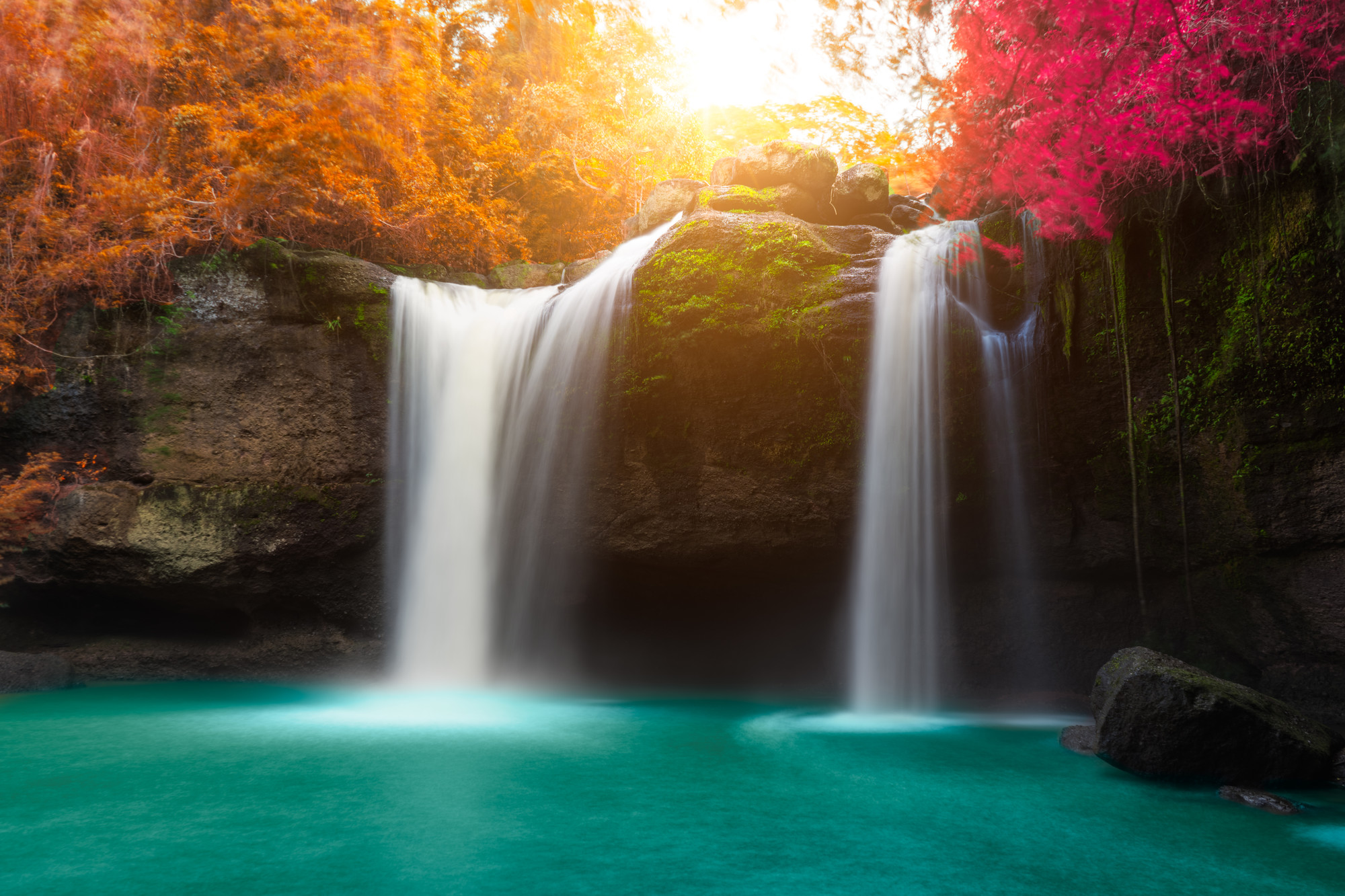 Hình ảnh thác nước đẹp và hấp dẫn