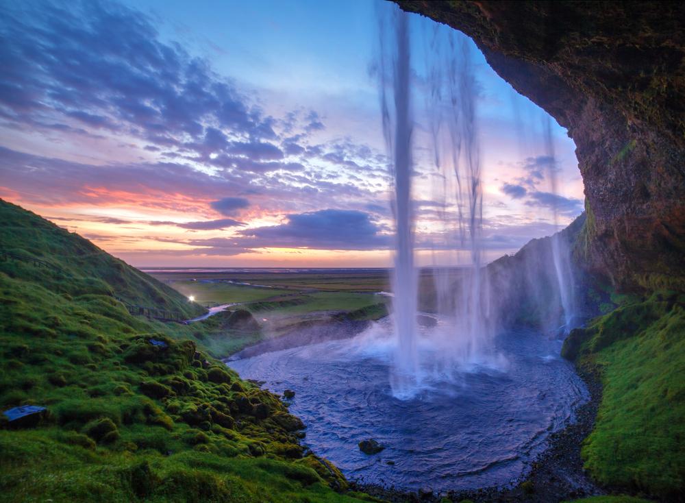 Hình ảnh thác nước nhìn từ bên trong