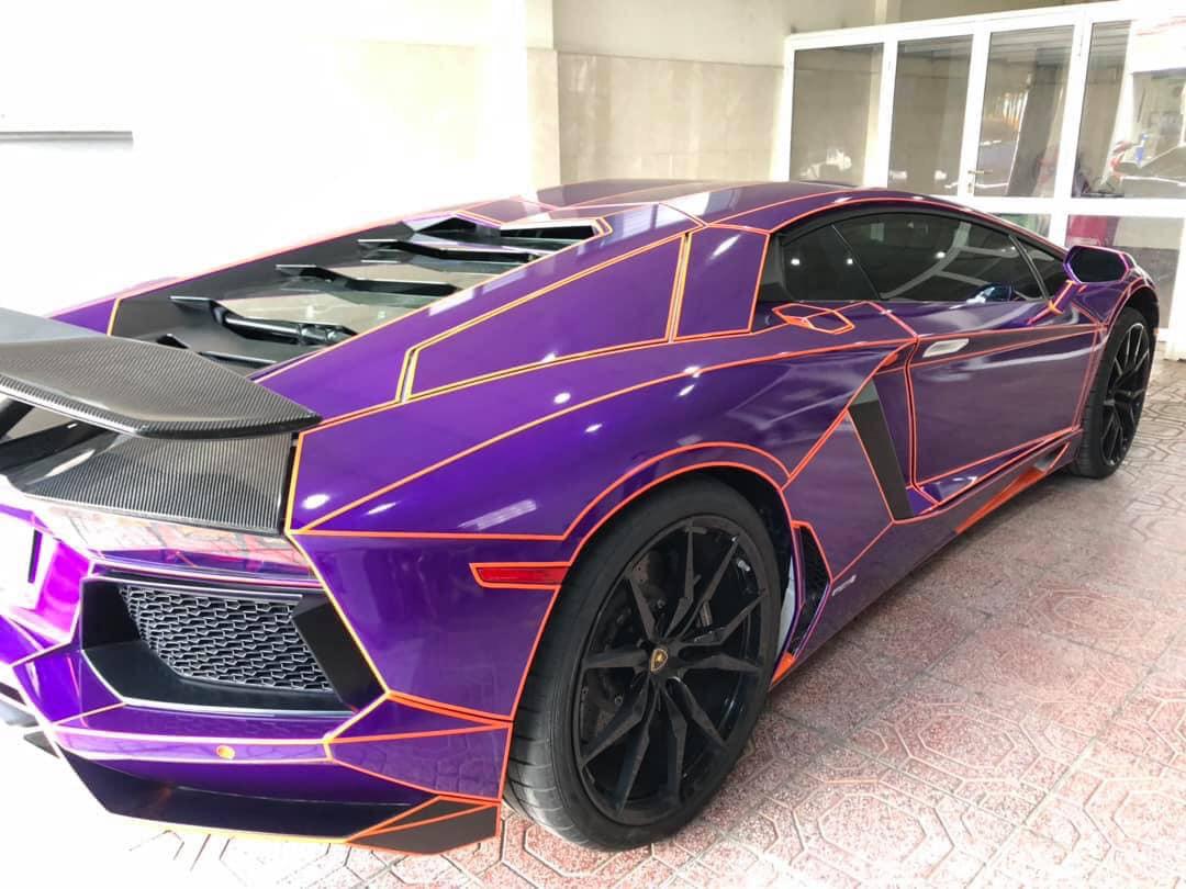 Hình ảnh xe Lamborghini trang trí độc đáo