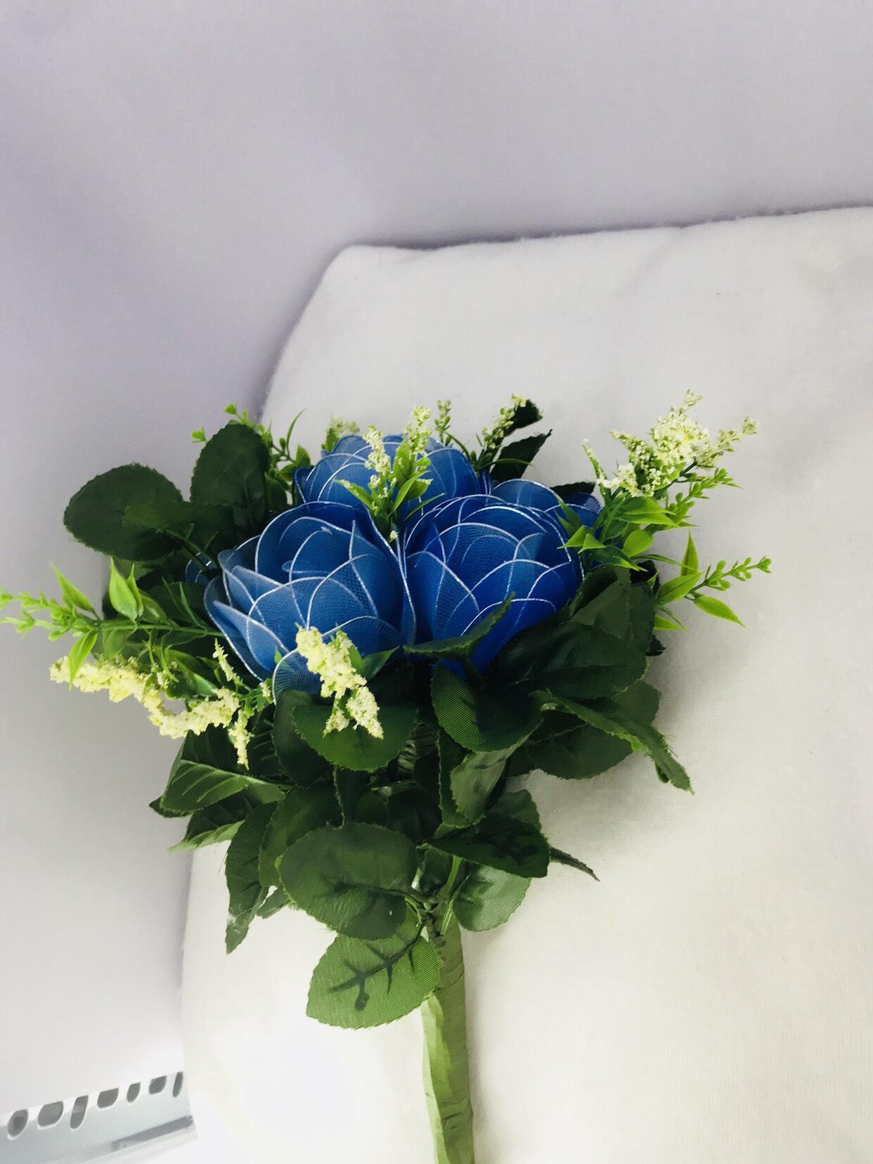 Ba bông hoa hồng xanh cực đẹp