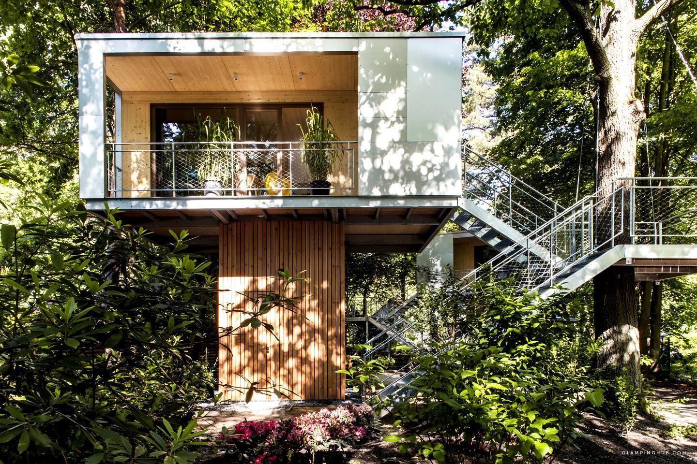 Khung cảnh nhà hiện đại trên cây đẹp