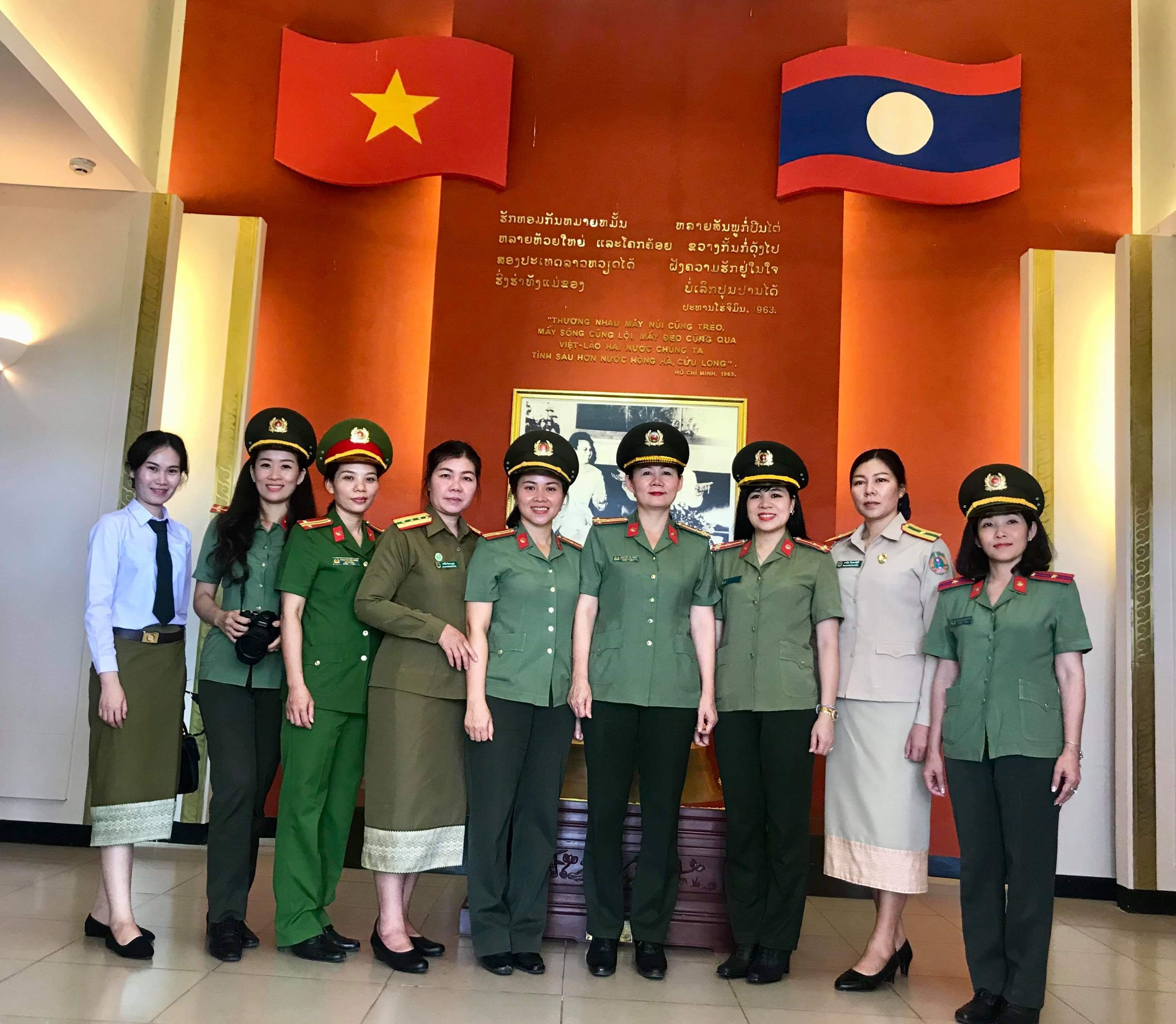Hình ảnh những nữ công an
