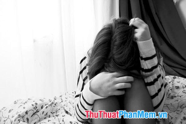 Hãy khóc đi, nhưng hãy nhớ dựa vào tường mà khóc, để những giọt nước mắt rơi thẳng đứng