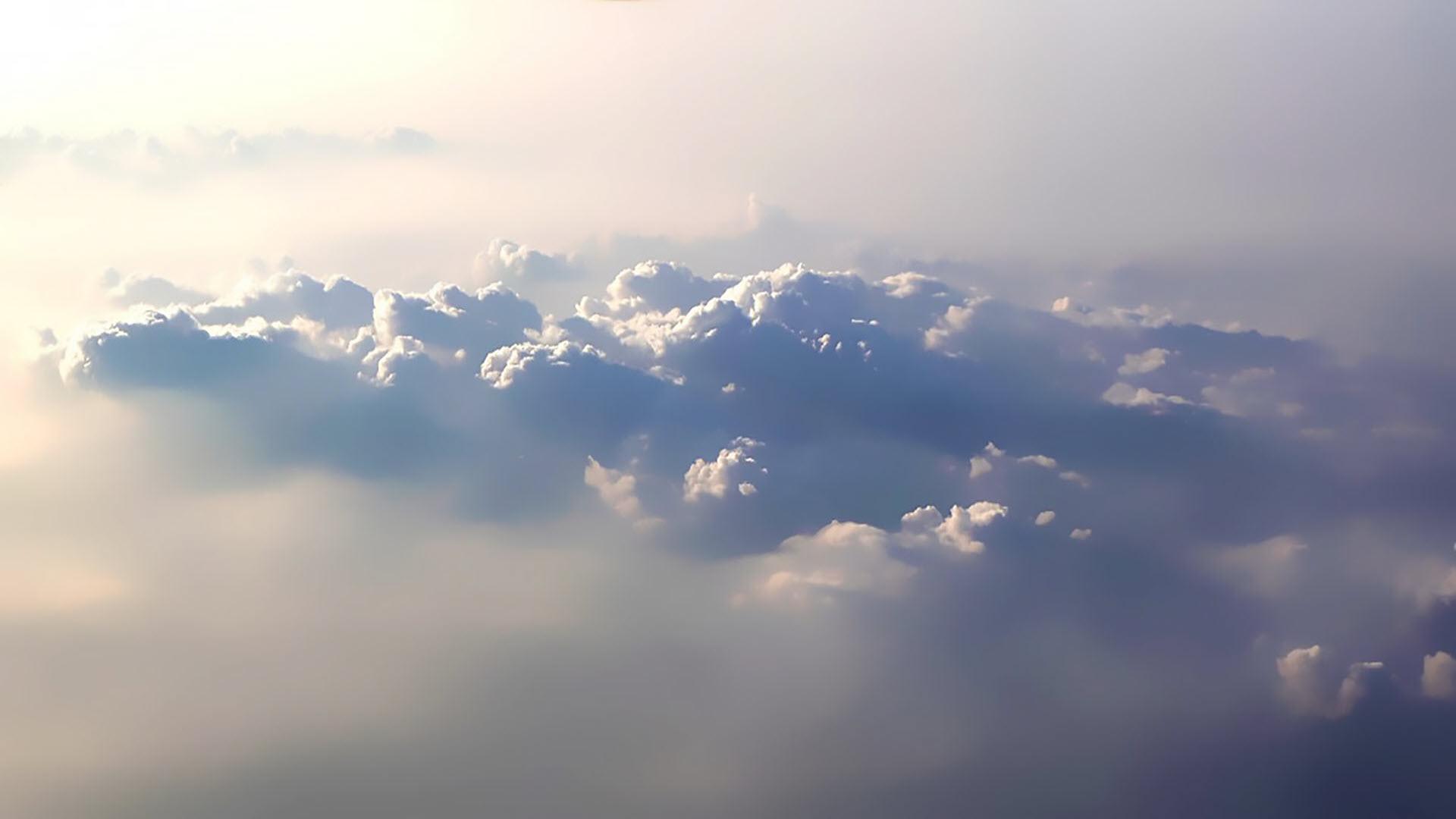 Hình nền phong cảnh trên mây