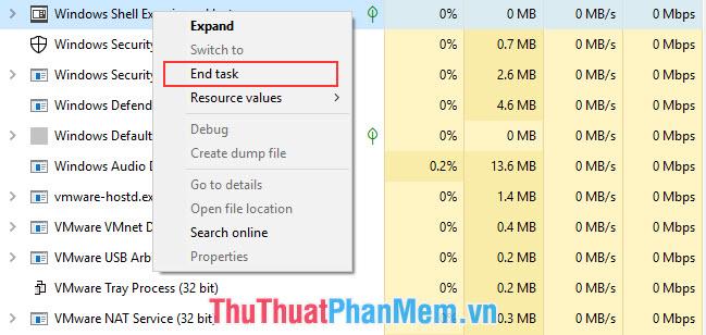 Click chuột phải vào các chương trình cần dừng và chọn End task