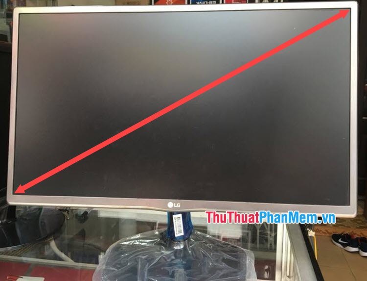 Kiểm tra kích cỡ màn hình máy tính bằng phương pháp đo đạc