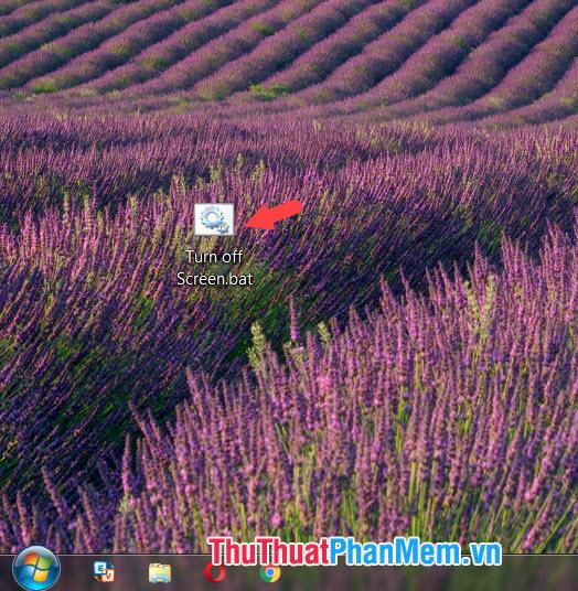 Click đúp vào file Turn off screen để kích hoạt
