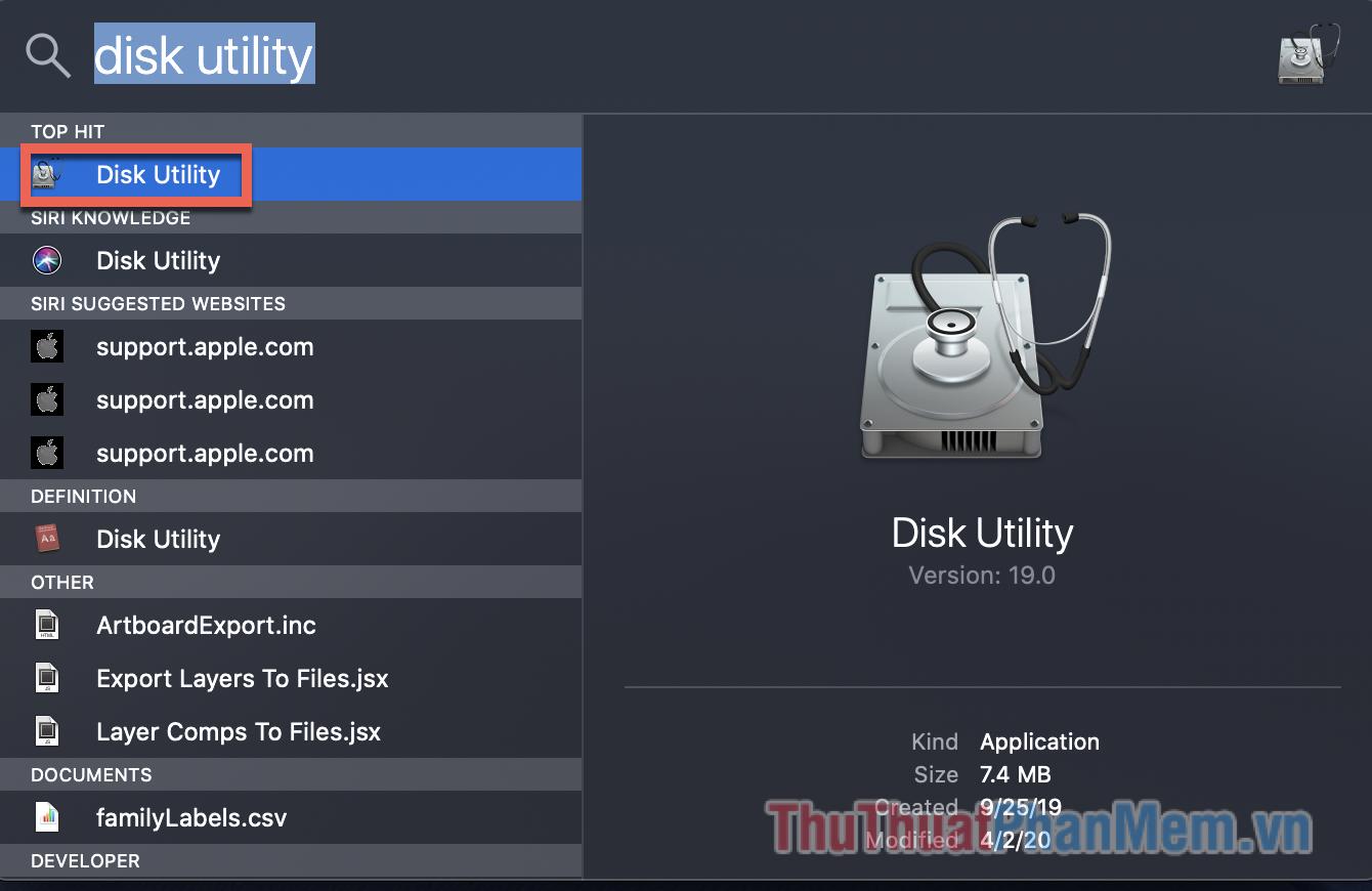 Bạn click vào biểu tượng kính lúp tìm kiếm và nhập Disk Utility