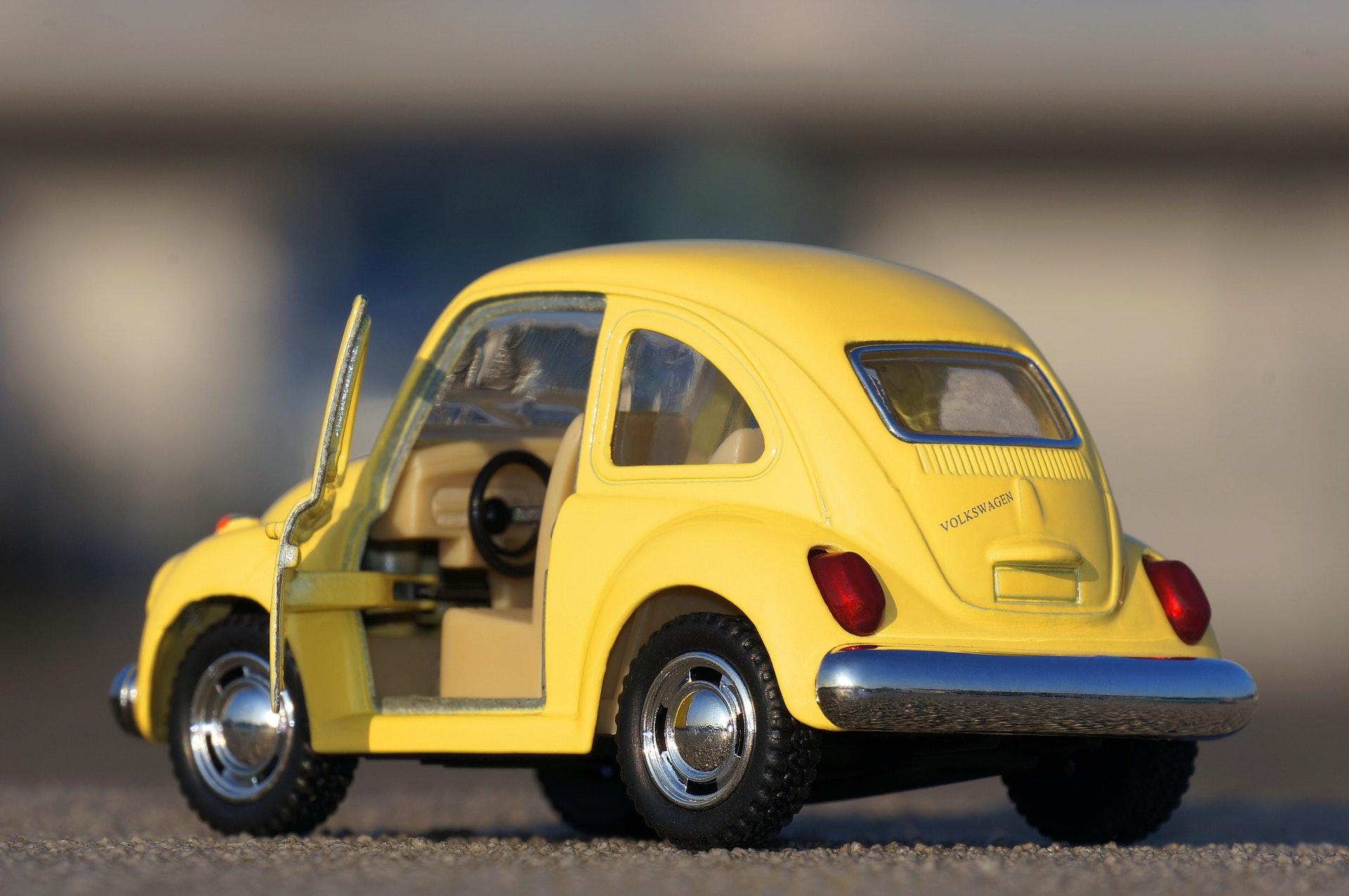 Hình nền đồ chơi ô tô