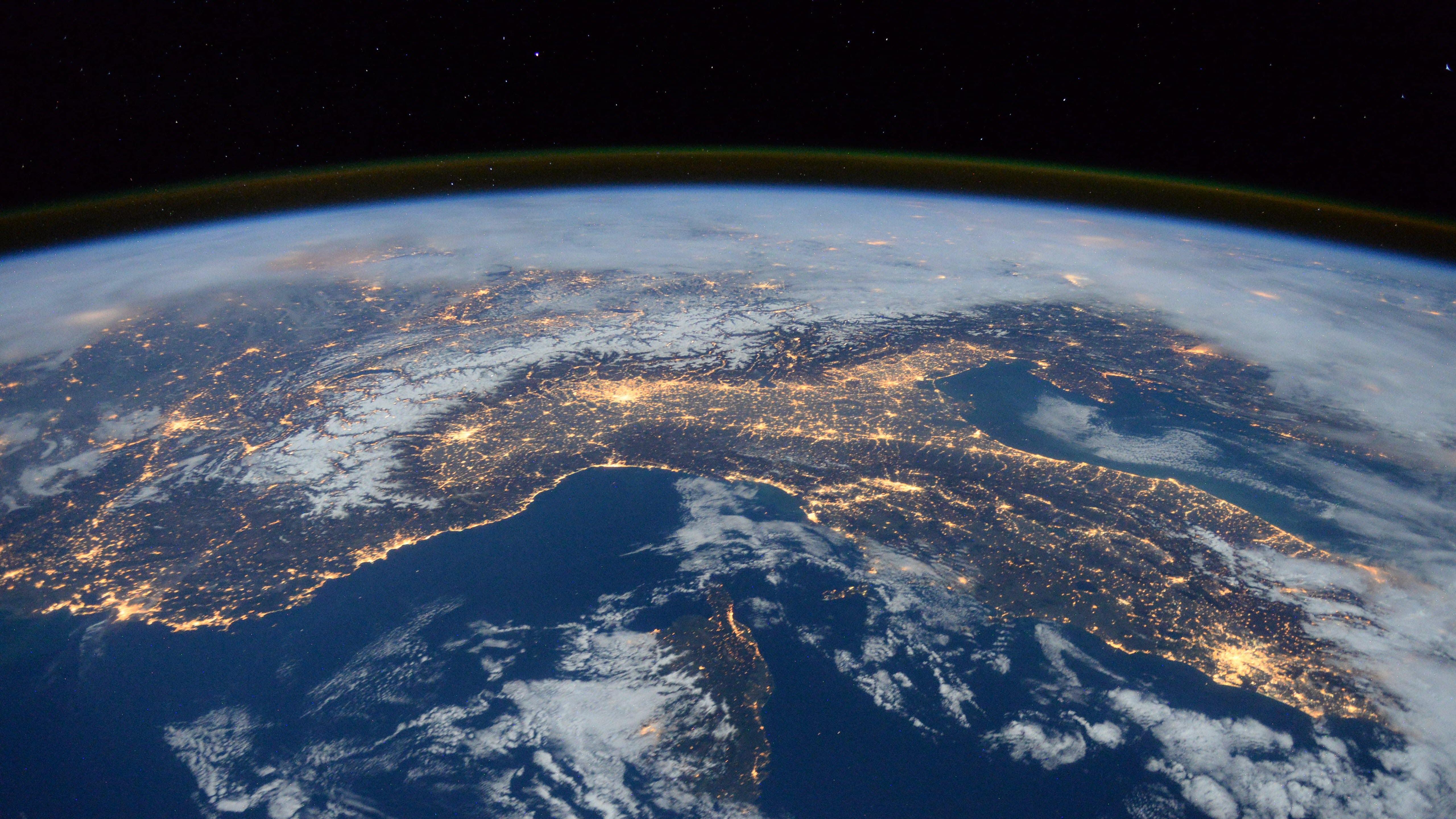 Hình nền trái đất 5K đẹp