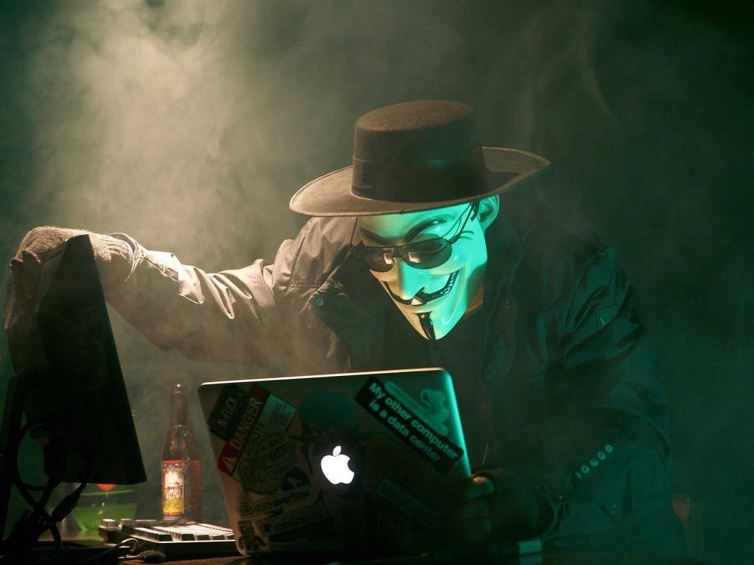 Ảnh Hacker Anonymous trộm cắp