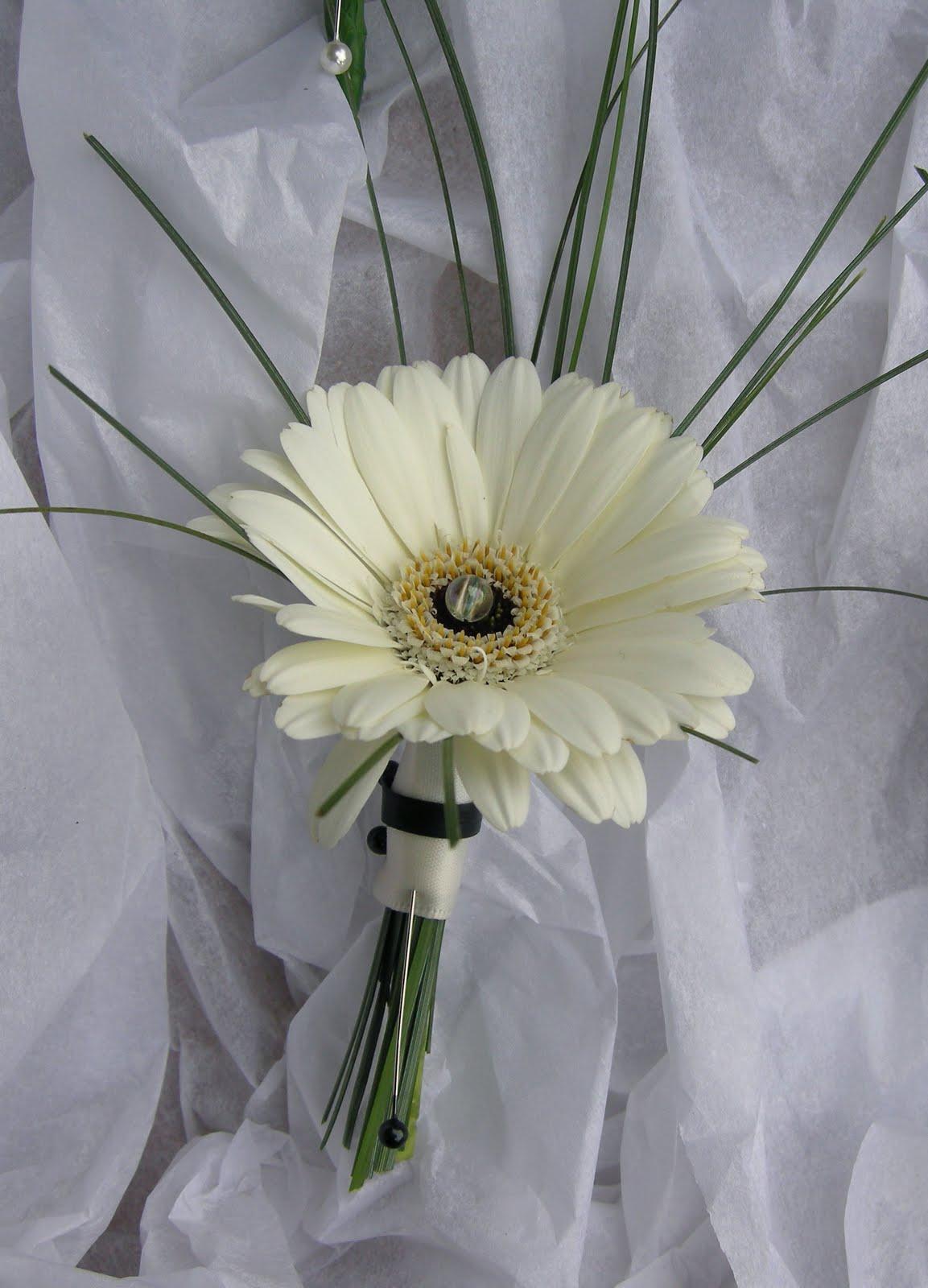 Hình ảnh hoa cưới đồng tiền kép