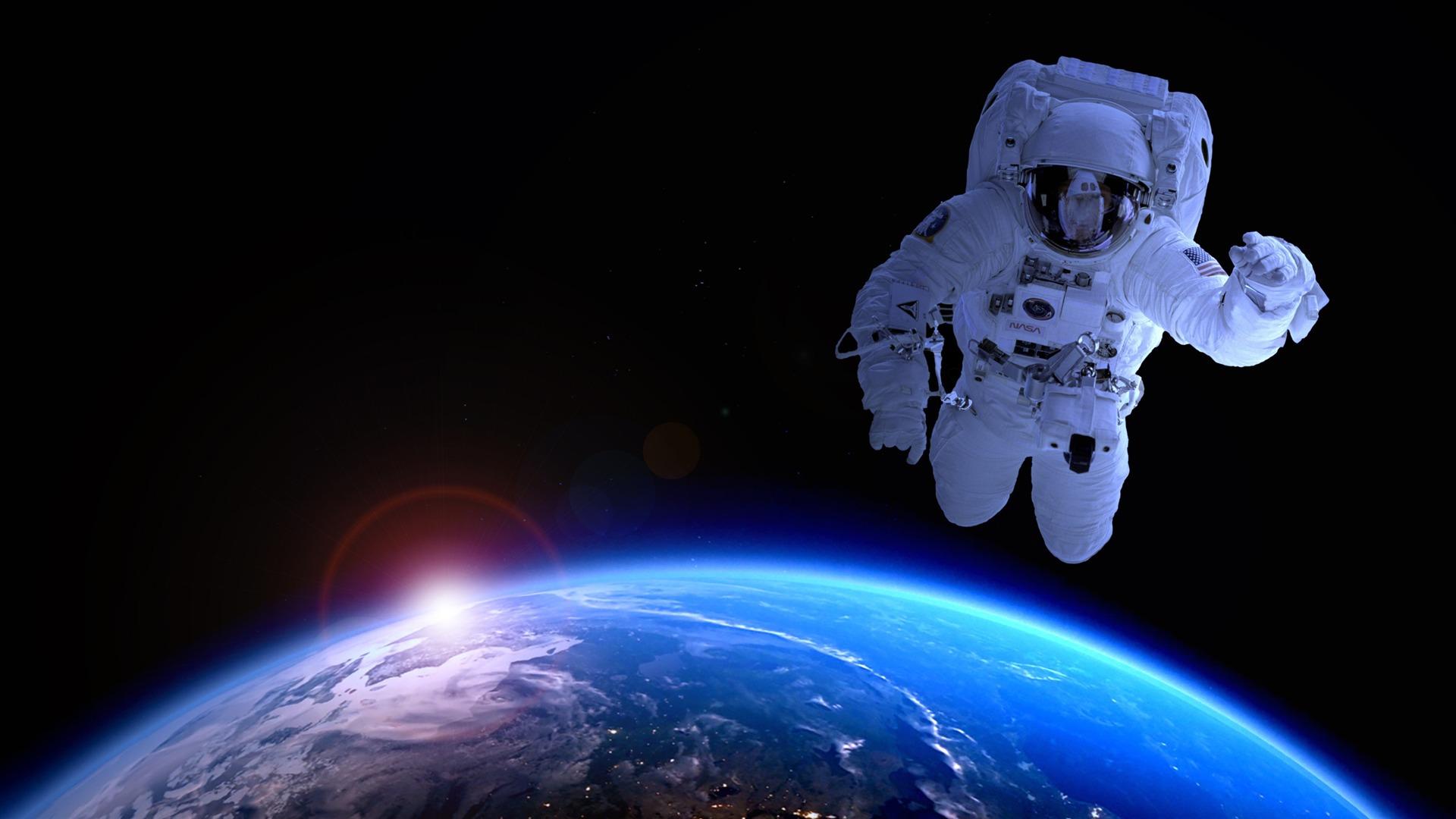 Ảnh phi hành gia và Trái Đất