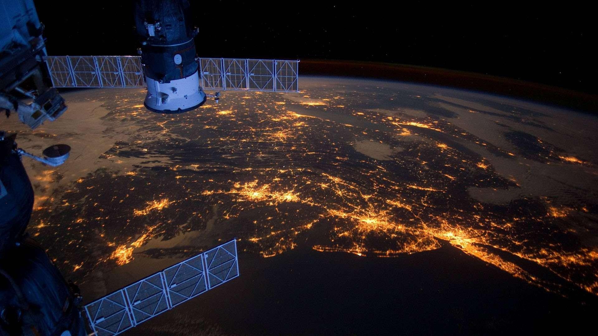 Ảnh Trái Đất nhìn từ tàu vũ trụ