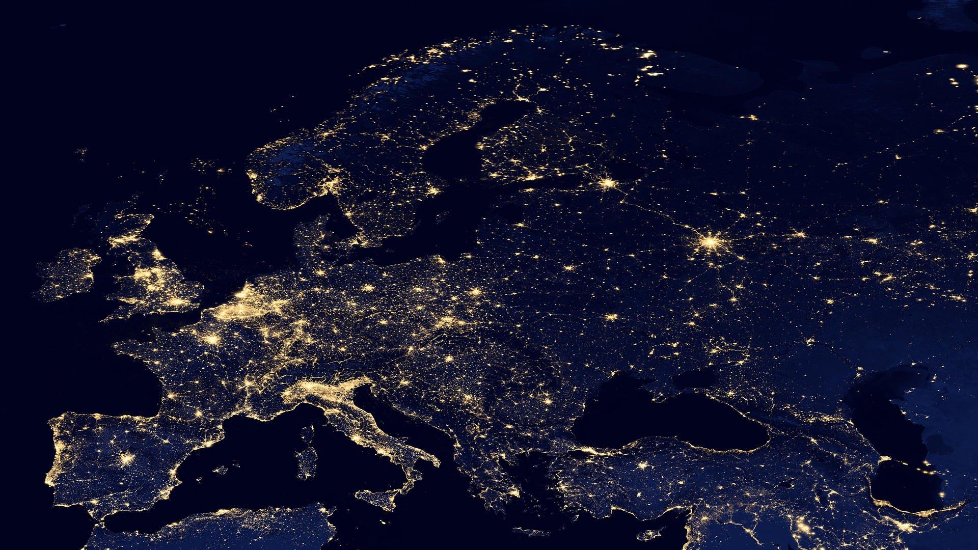 Ảnh Trái Đất nhìn từ vệ tinh trên cao