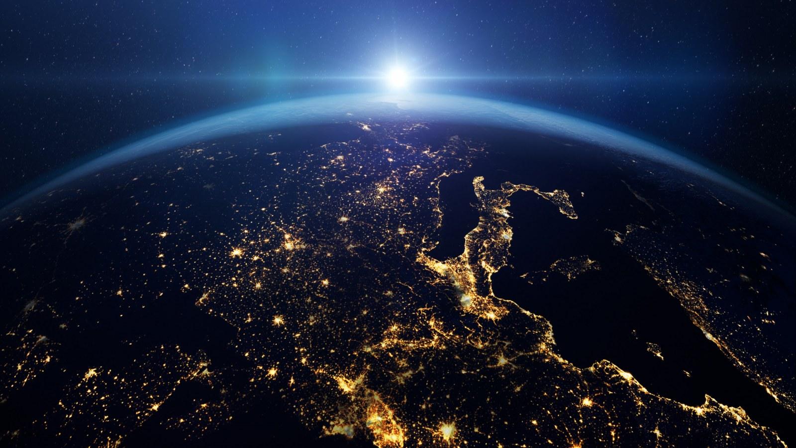 Ảnh Trái Đất tuyệt mĩ chụp bởi NASA