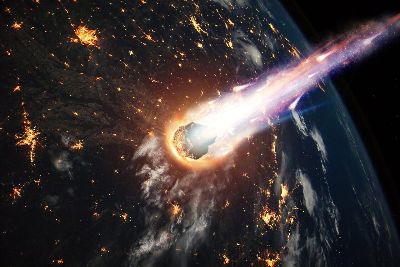 Ảnh Trái Đất và mảnh thiên thạch đang rơi
