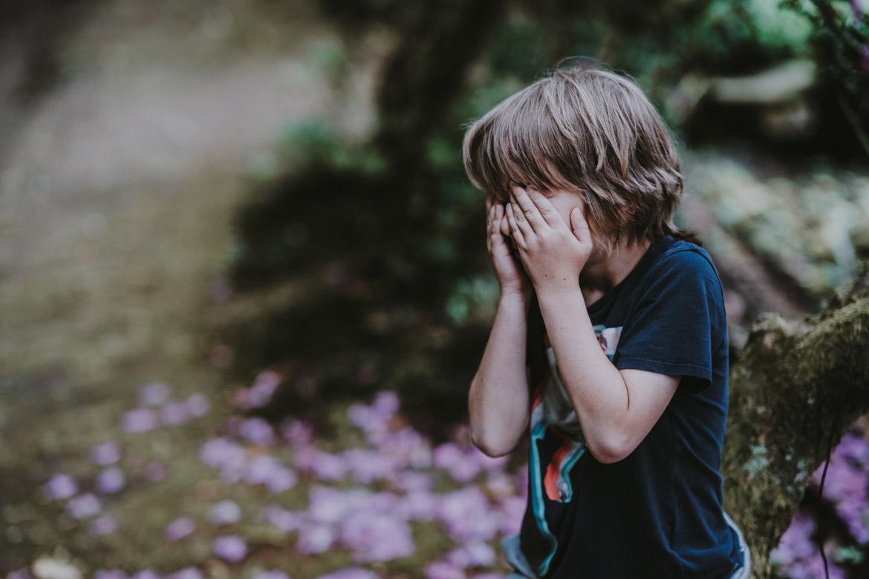 Ảnh bé trai khóc