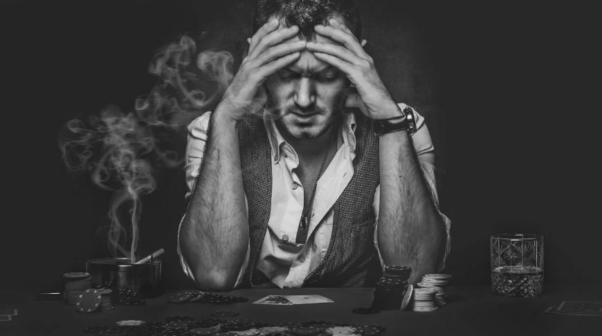 Ảnh đàn ông khóc tâm trạng nhất