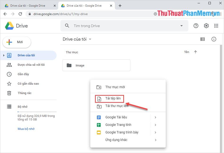Click chuột phải và chọn Tải tệp lên để thêm file PDF cần chuyển qua Word lên Google Drive