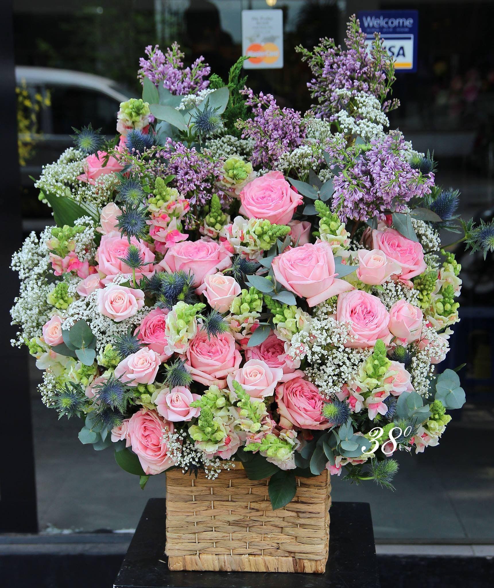 Hình ảnh lẵng hoa hồng đẹp, sang trọng