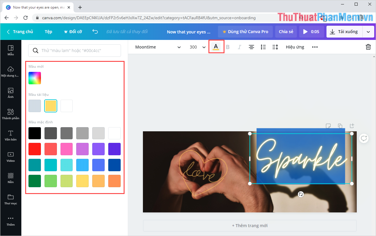 Bôi đen toàn bộ nội dung chữ và chọn Color