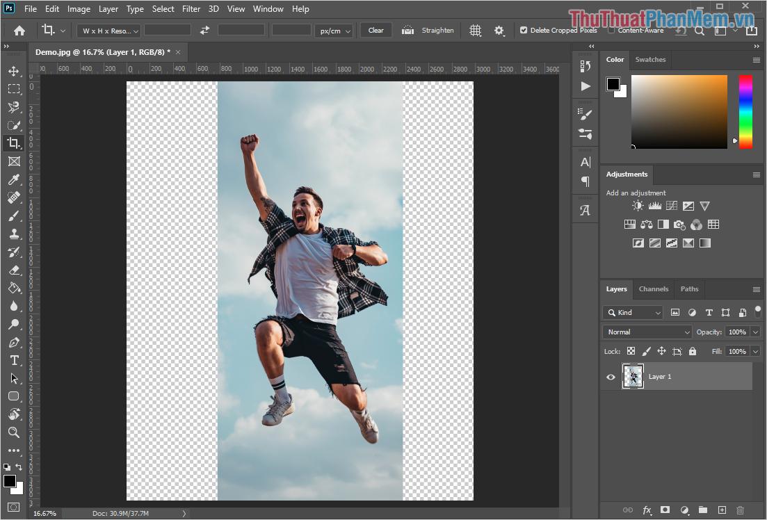 Chọn công cụ Cut (C) để tiến hành mở rộng Background cho phần ảnh cần mở rộng
