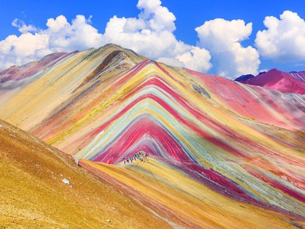 Ảnh núi nhiều màu sắc