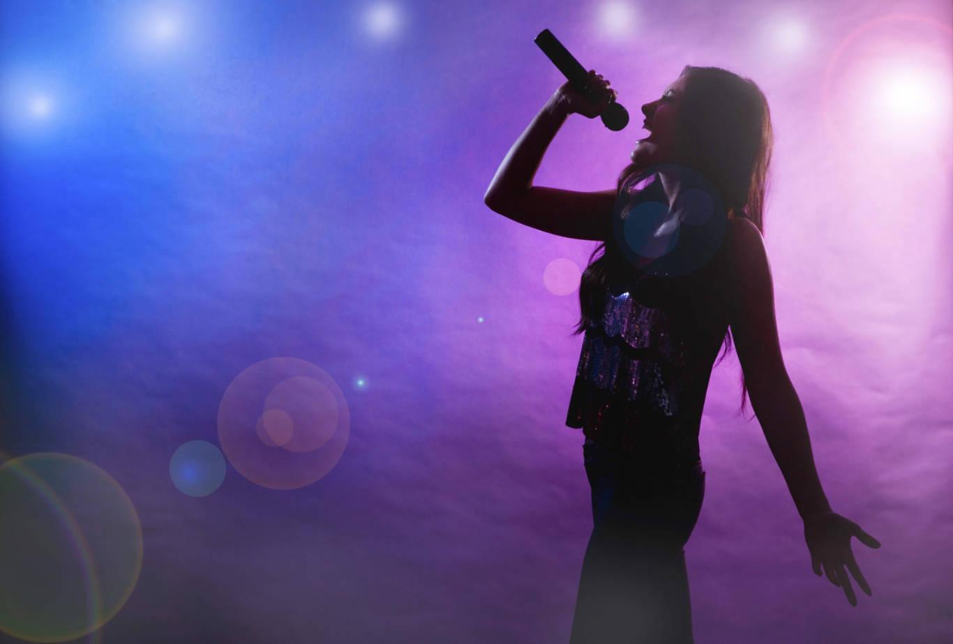 Background biểu diễn karaoke