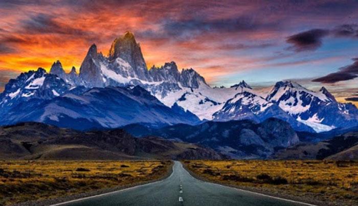 Hình ảnh núi và con đường