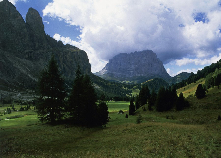 Hình ảnh núi và thung lũng