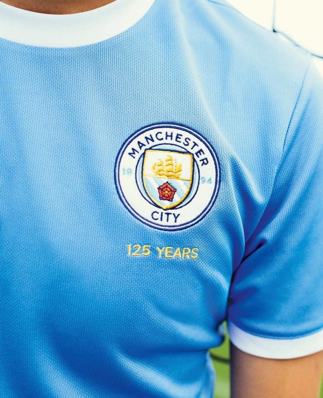 Logo áo Man City kỷ niệm