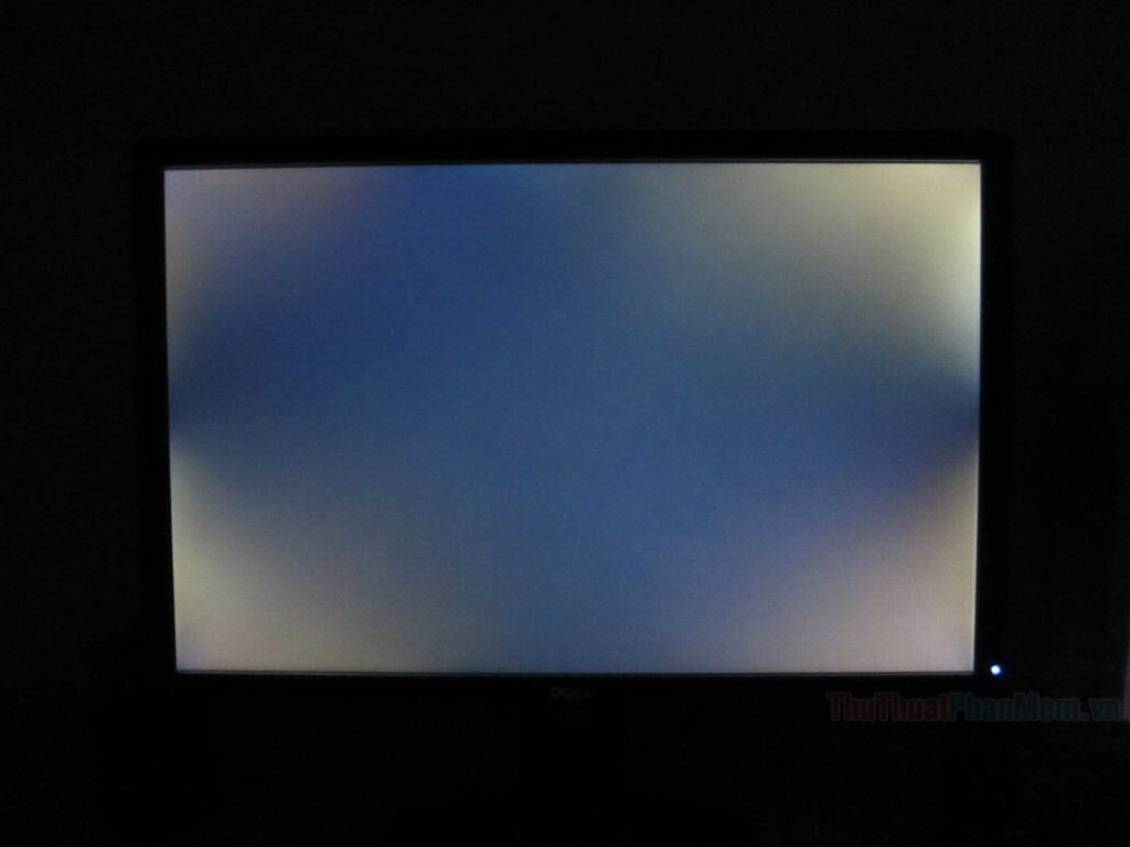 Những đốm sáng là điểm Stuck Pixel nên chúng thường có màu trắng hoặc hiển thị lệch màu với các Pixel khá