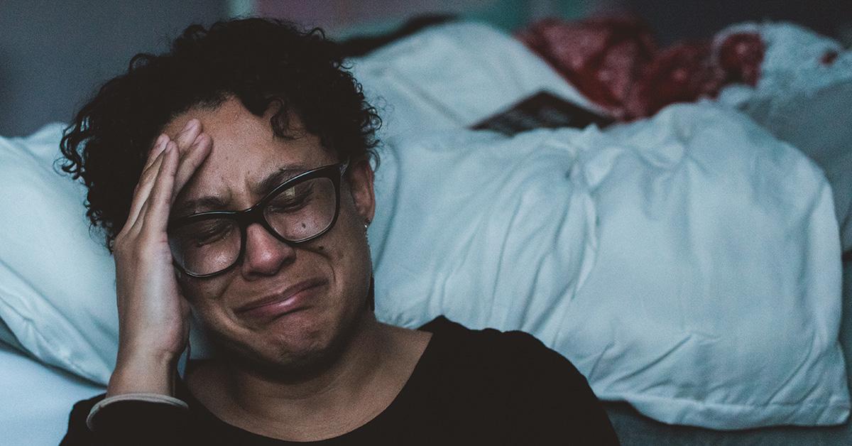 Ảnh đau khổ khóc