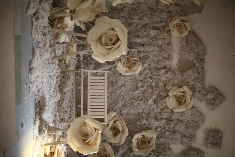 Background hoa hồng ghép ảnh gia đình