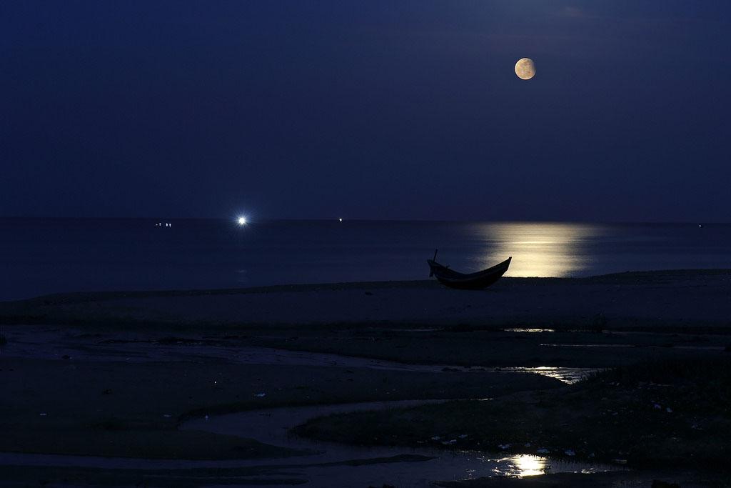 Hình ảnh buổi tối trên biển