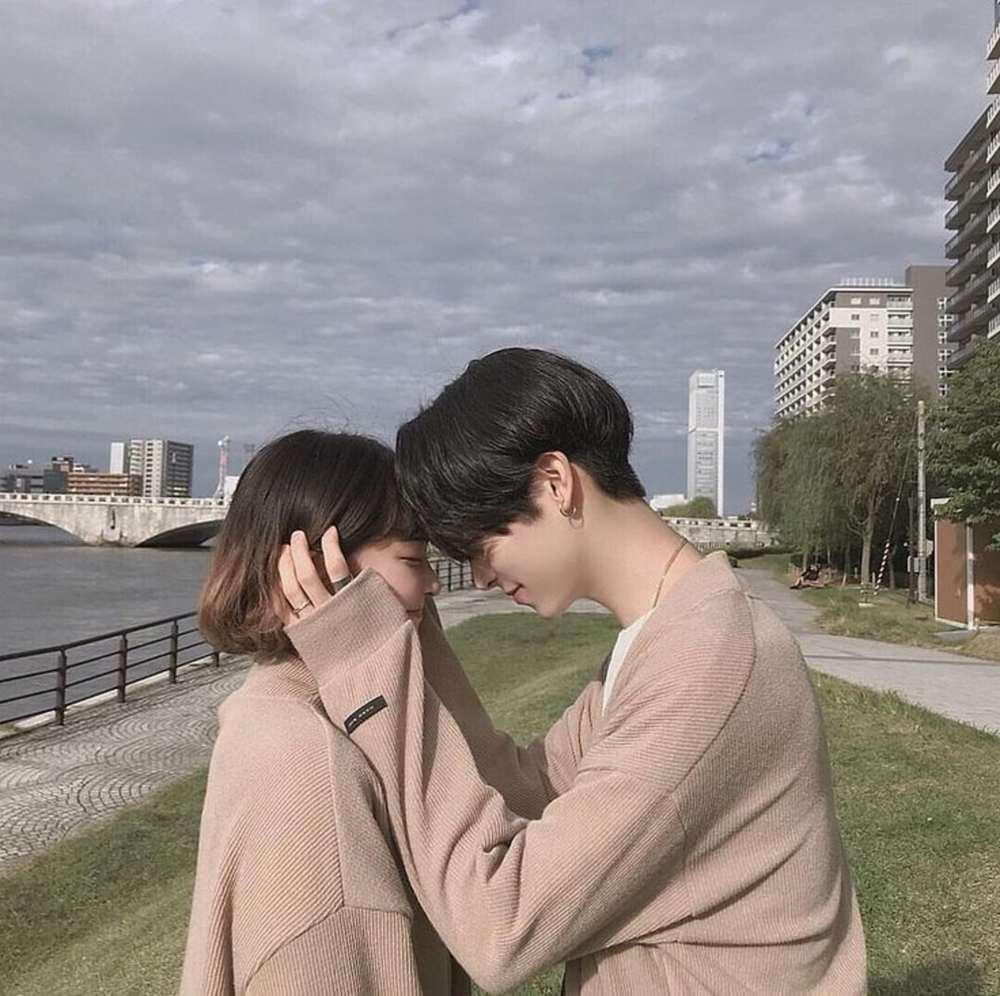 Hình ảnh cặp đôi yêu nhau ngộ nghĩnh
