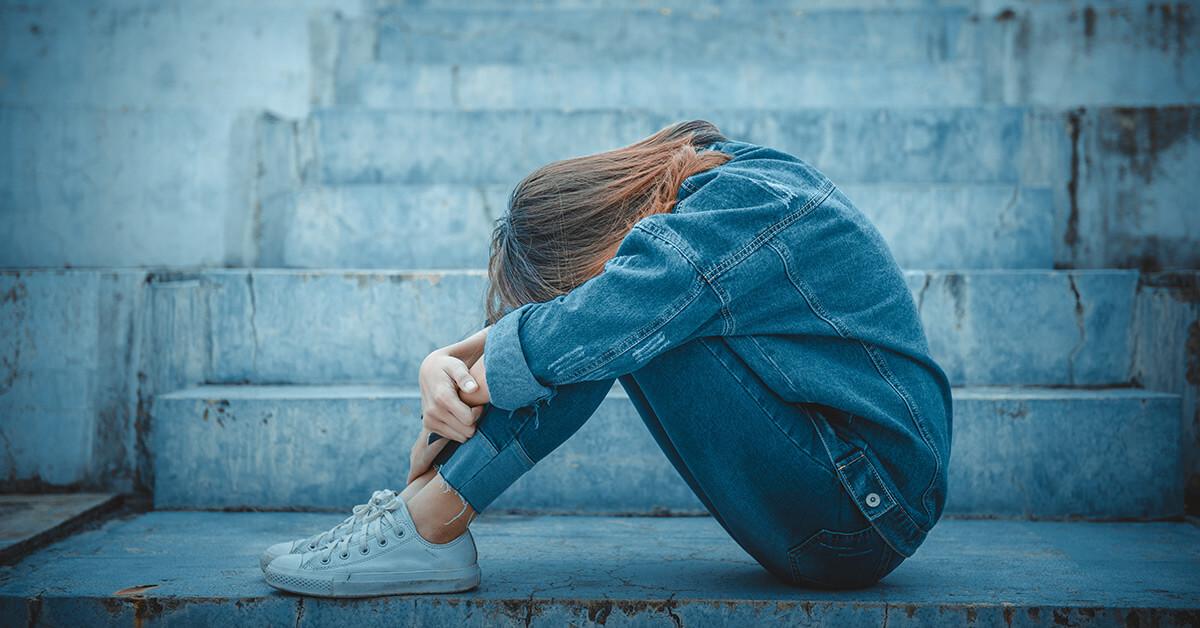 Hình ảnh đau khổ khóc