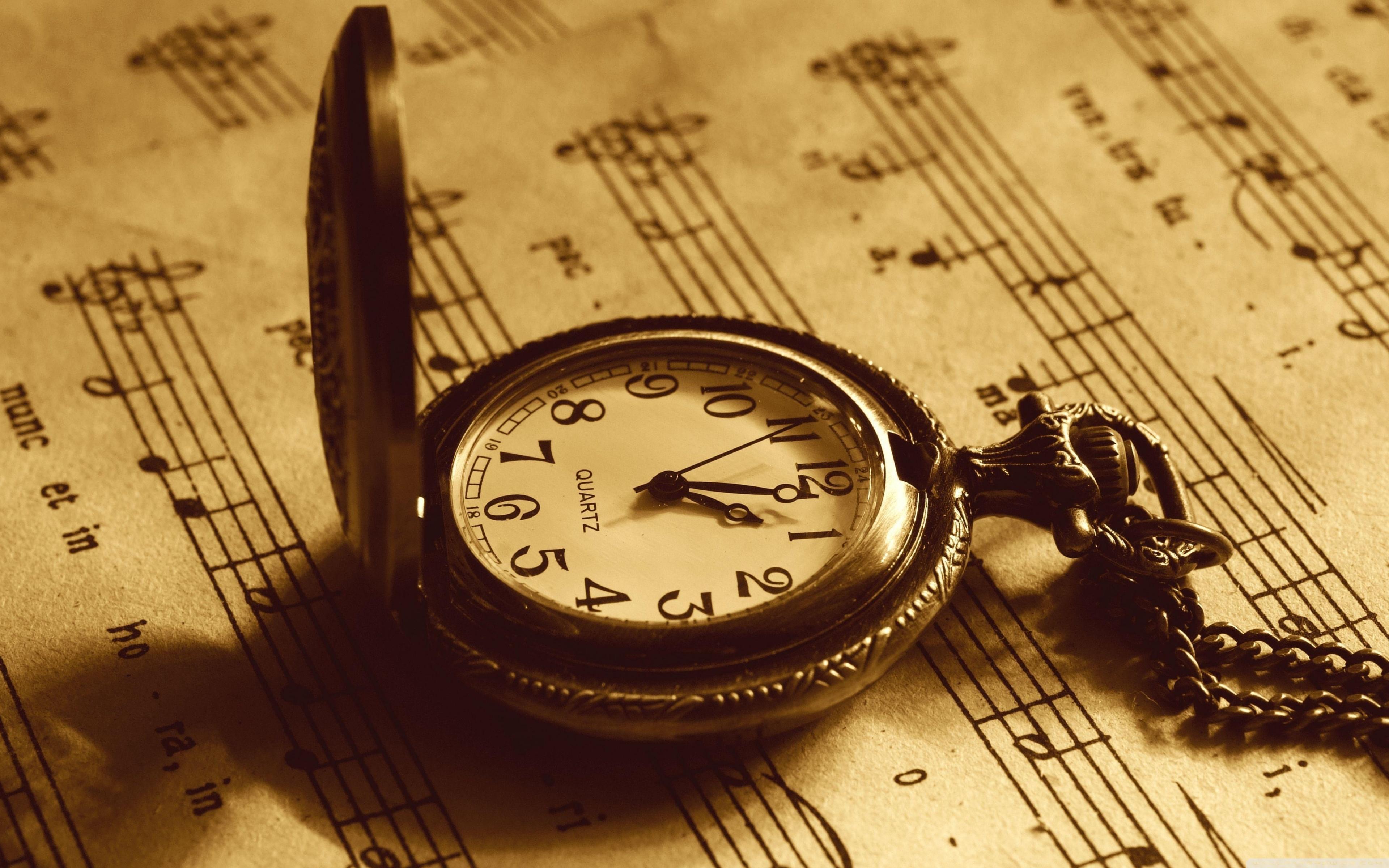 Hình ảnh đồng hồ cổ