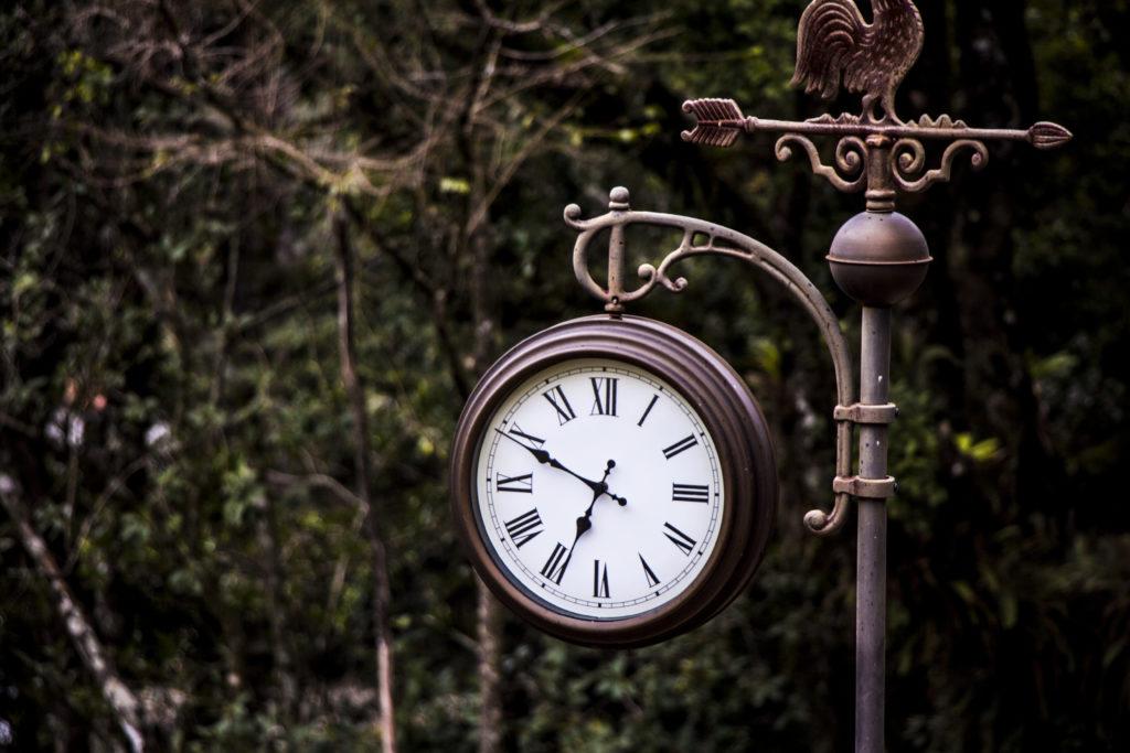 Hình ảnh đồng hồ để bàn đẹp