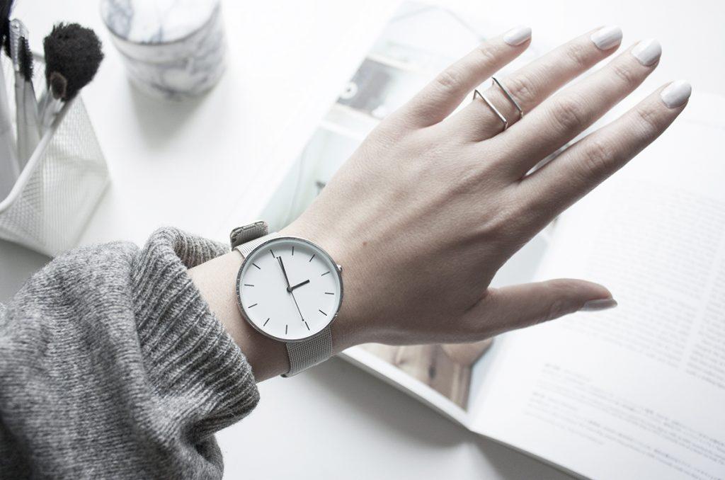 Hình ảnh đồng hồ đeo tay nữ