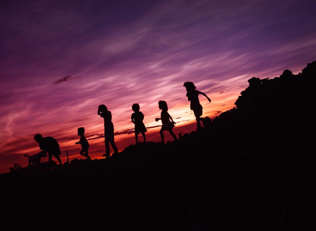 Hình ảnh hoạt động khi trời tối