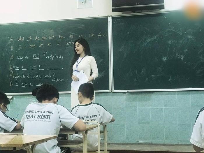 Ảnh cô giáo đẹp